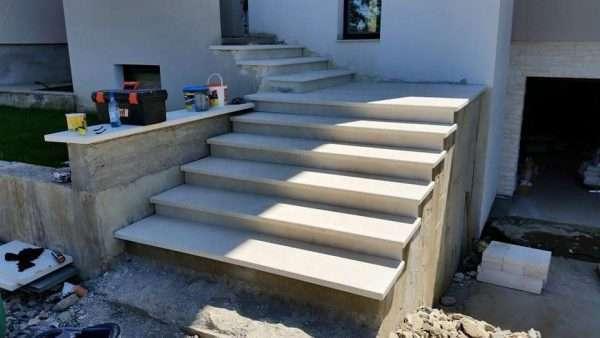 montaj trepte exterior Rocas Bucuresti
